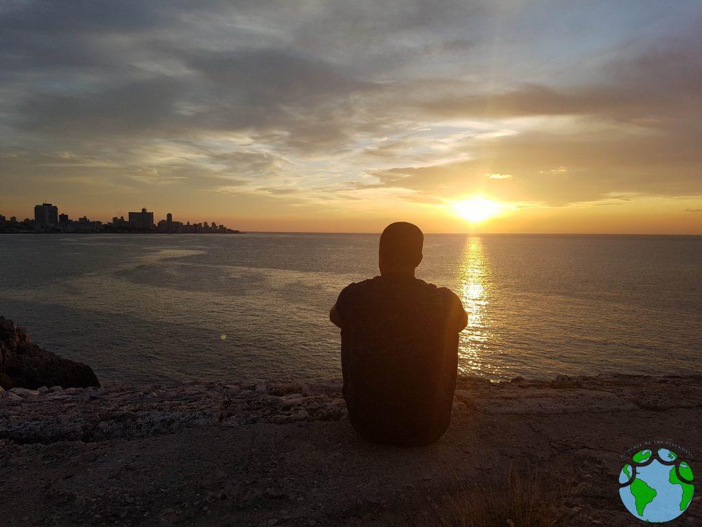 Puesta de sol en el Malecón de La Habana