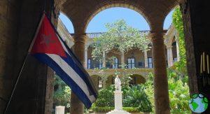 Bandera cubana en La Habana